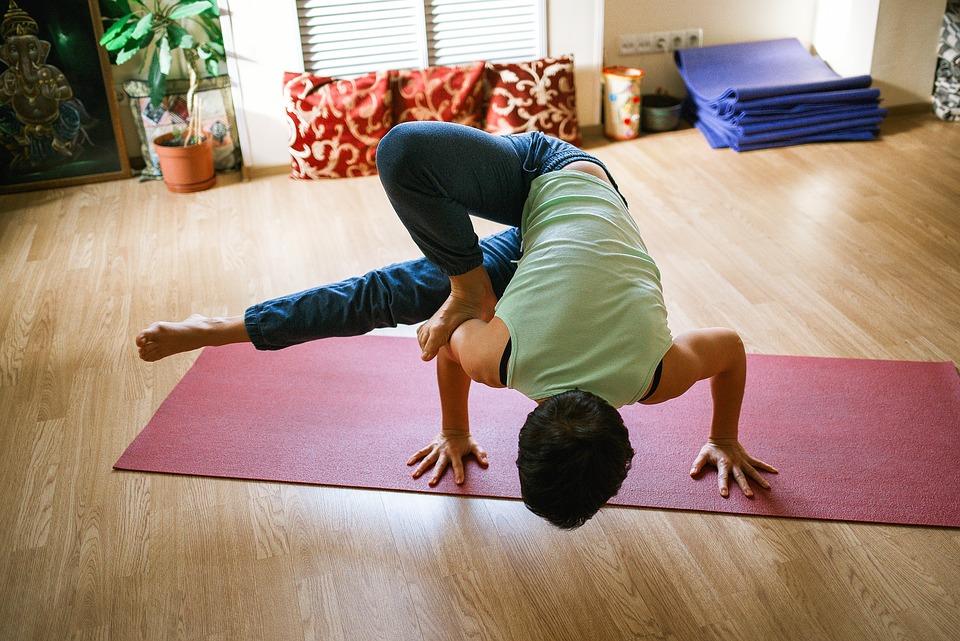 Why Enrol In A Yoga Studio?