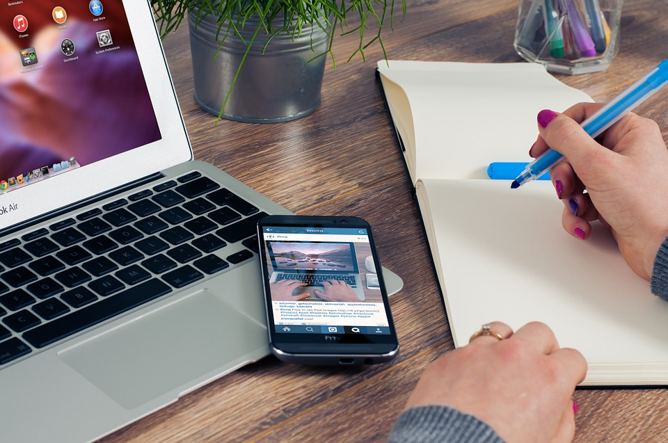 5 Main Reasons For Moving Your Business Online