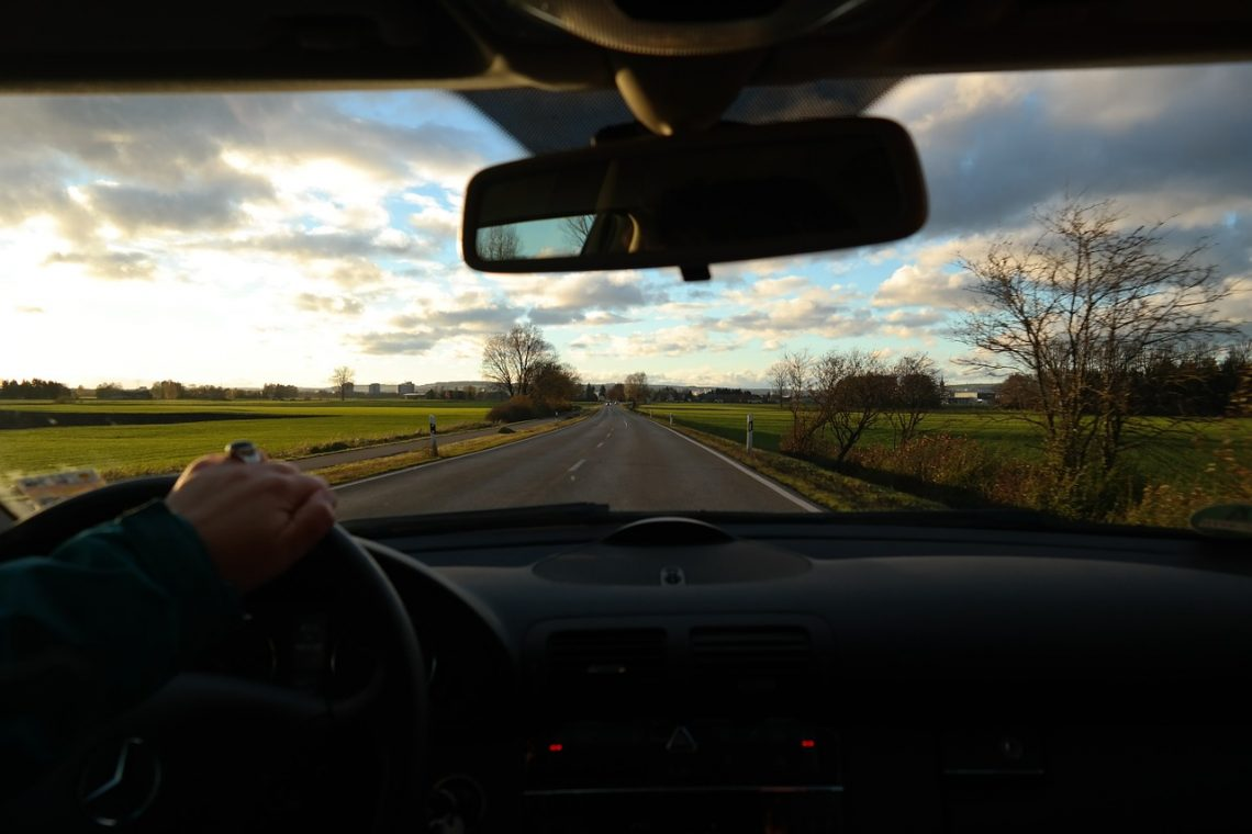 Reasons You Need To Replace Your Windshield