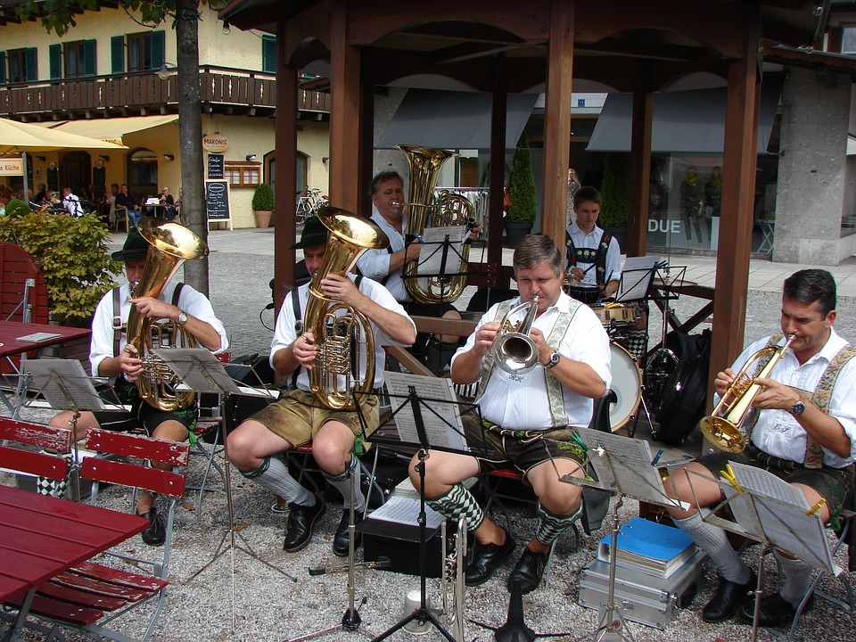 Finding The Best Swing Bands For Hire