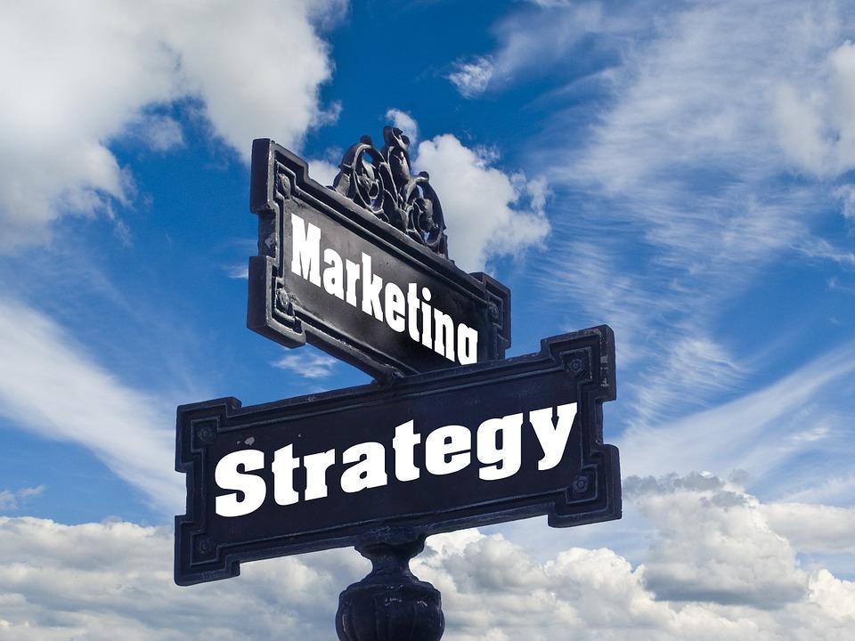 Re-branding Your Business: Internal Marketing Team Vs. Branding Agency