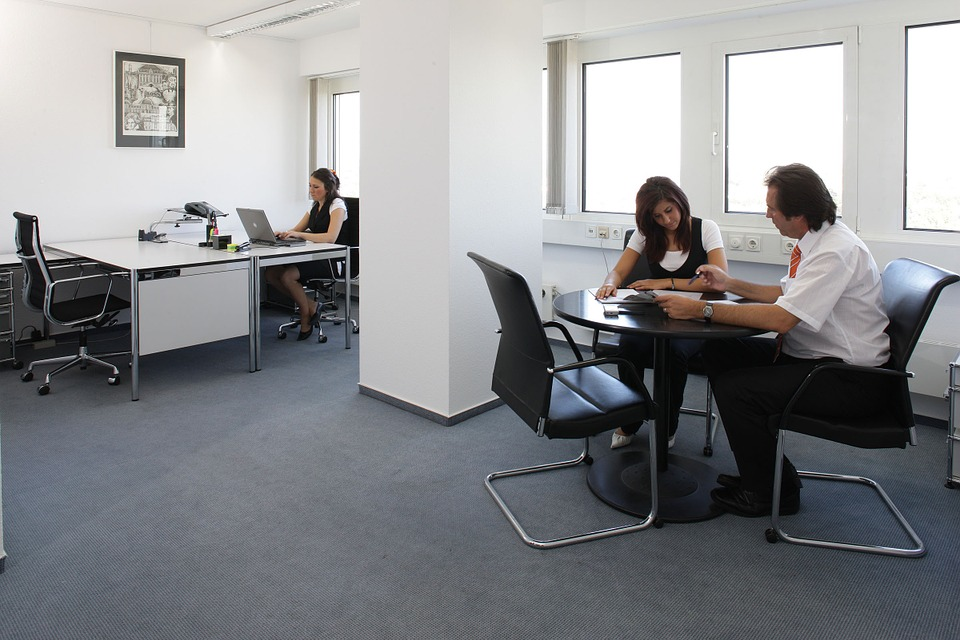Things To Know When Buying Office Furniture Brisbane Products