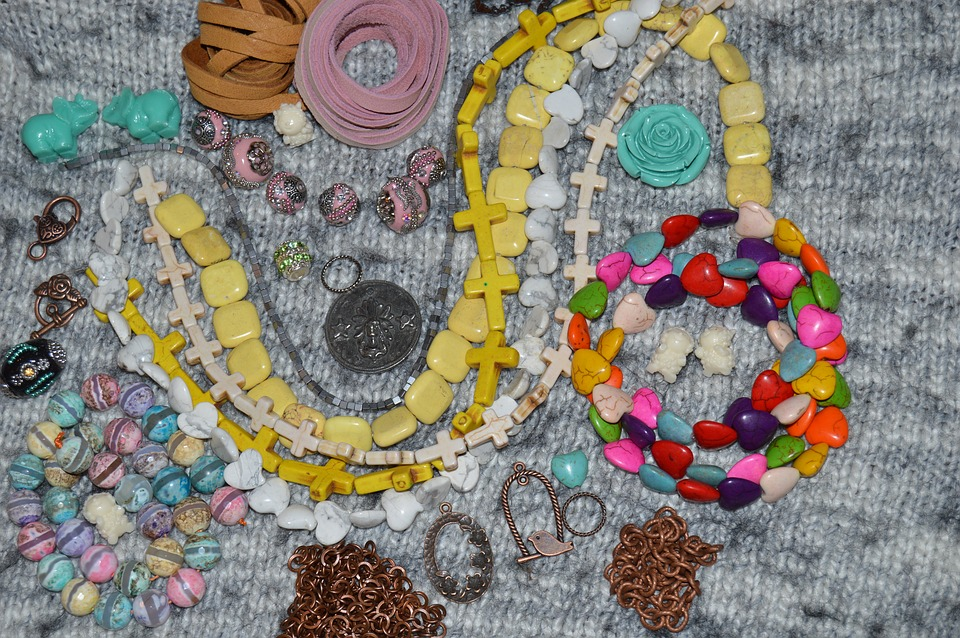 You Can Find Amazing Handmade Fashion Accessories Online