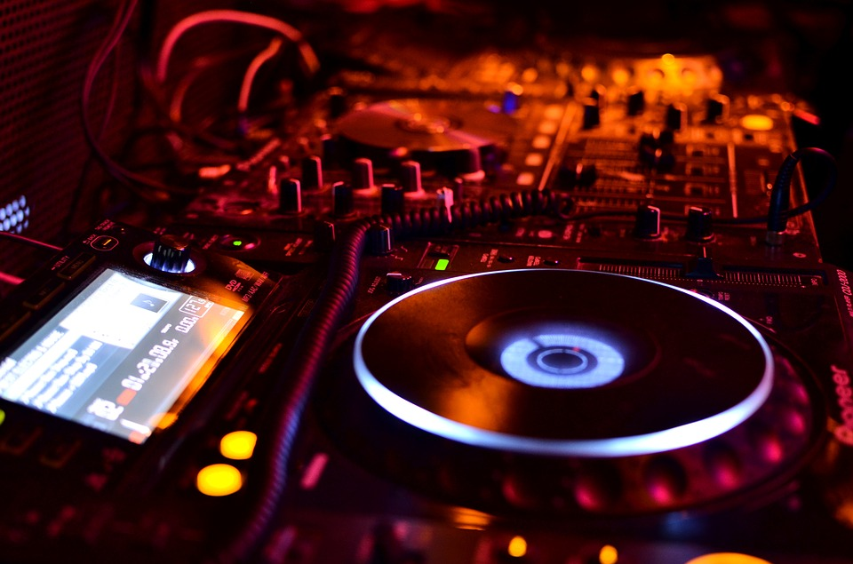 Factors To Consider When Hiring An Audio System