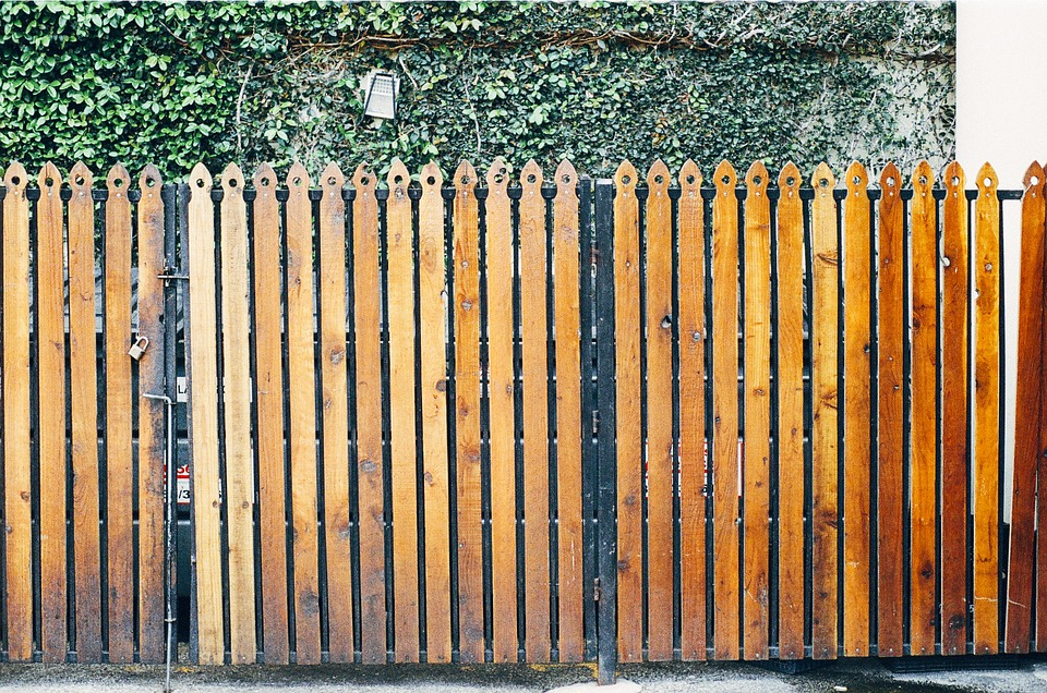 How To Boost Curb Appeal Of Your Timber Fencing In Peninsula