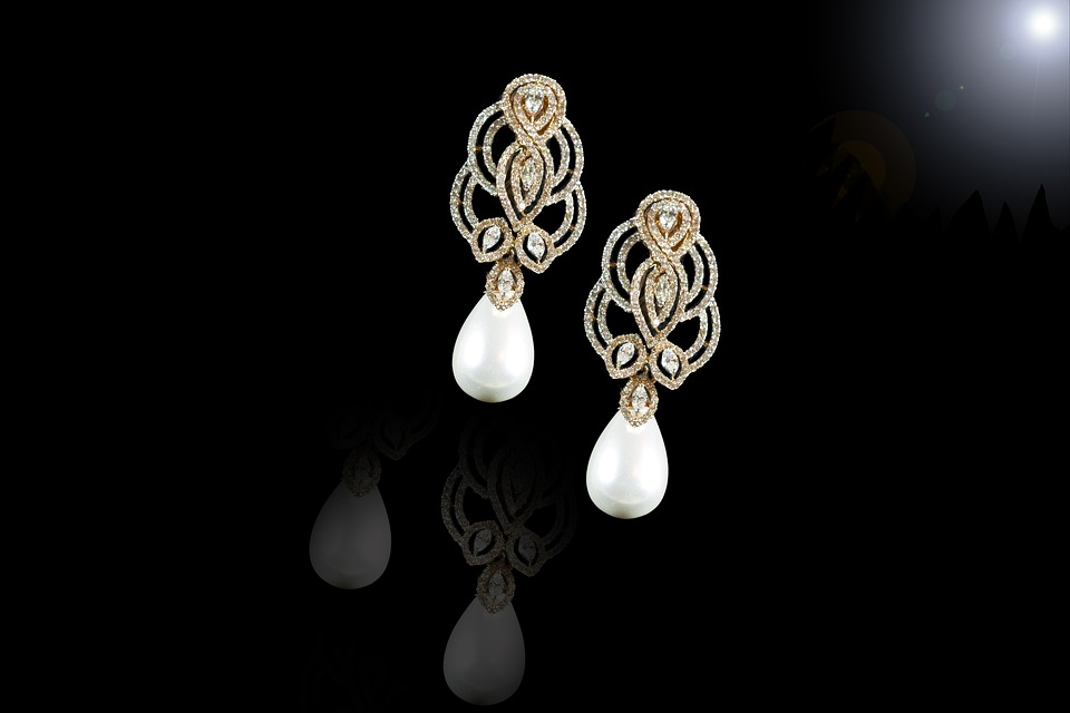 Benefits Of Owning Freshwater Pearl Earrings