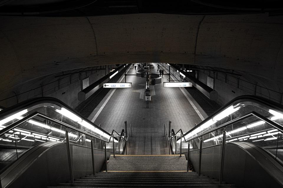 The Use Of Conveyor Lighting