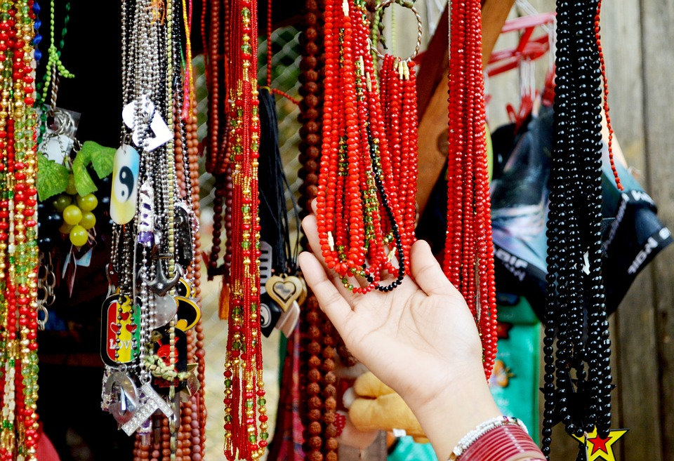 5 Interesting Things You Need To Know About Handmade Fashion Accessories