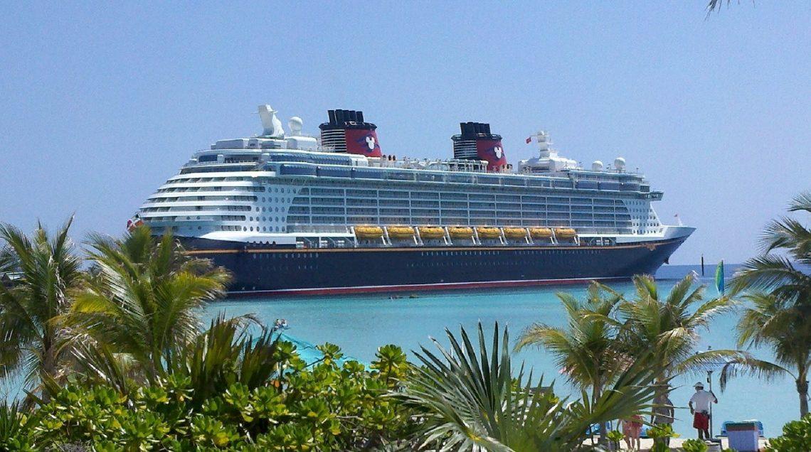 Travel Around Melbourne In Luxury With Oriental Queen Cruises