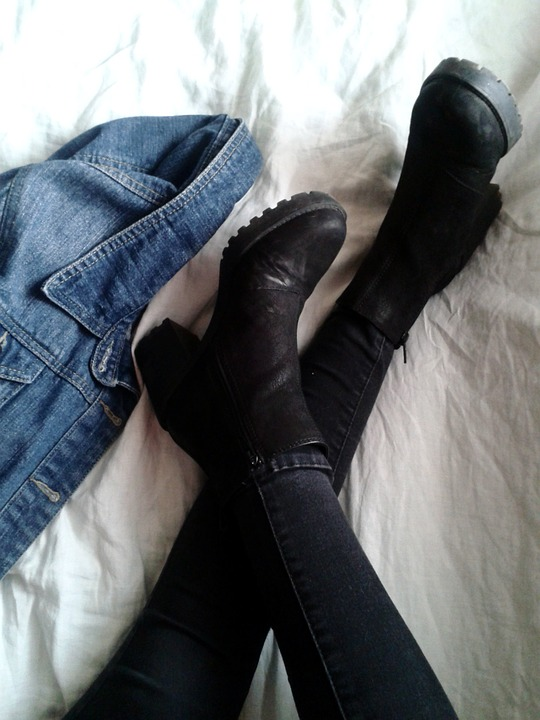 How To Purchase Demonia Shoes Online