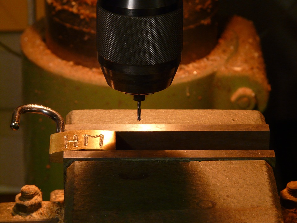 A Guide Before Buying A Stainless Steel Engraving Machine