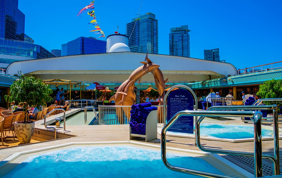 Why Choosing The Sunset Dolphin Cruise Will Make Your Vacation Stand Out