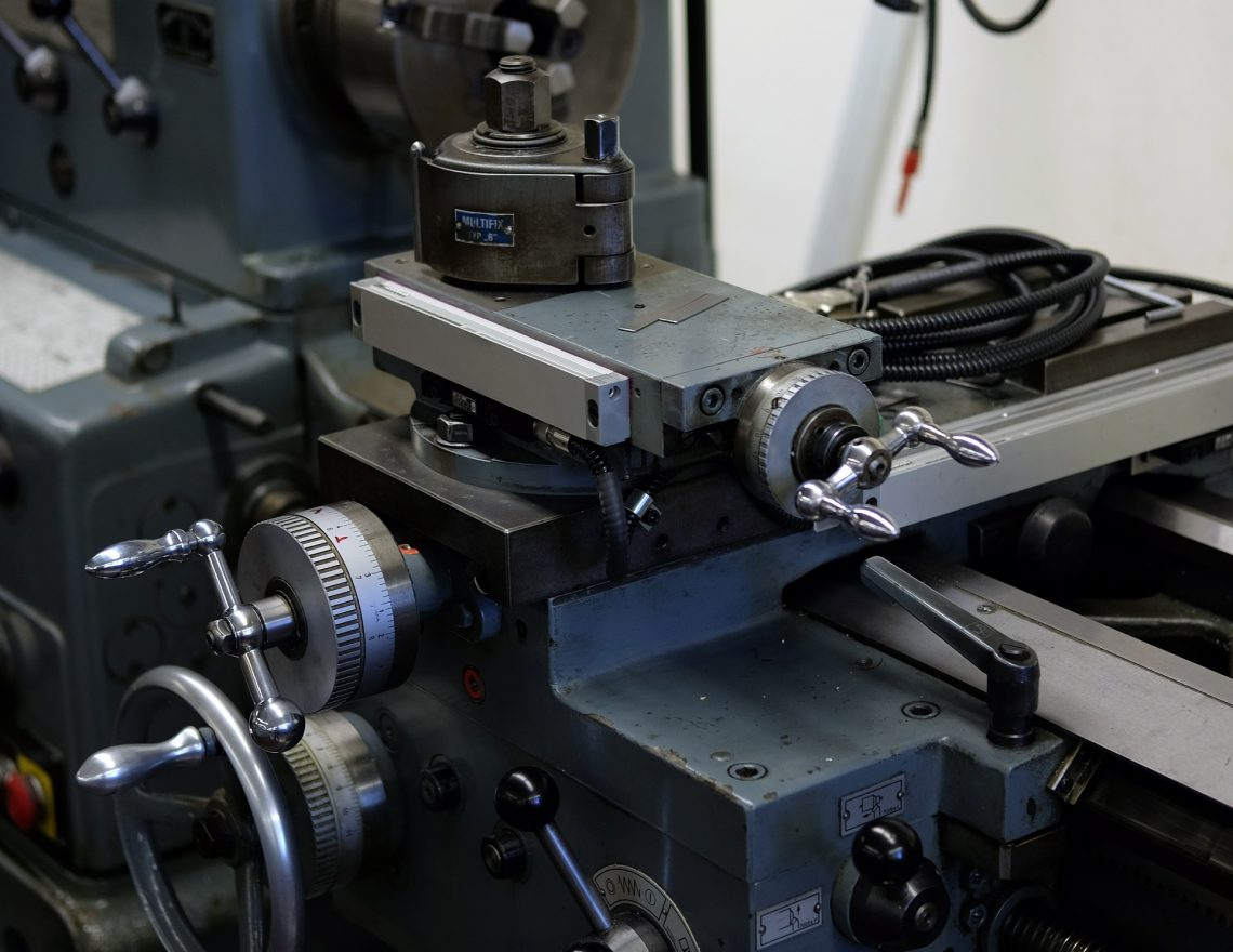 Factors To Consider When Looking For A Machining Lathe Service