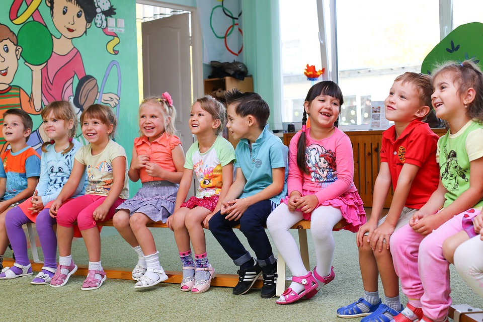 Choosing The Right Early Learning Centres For Your Kid