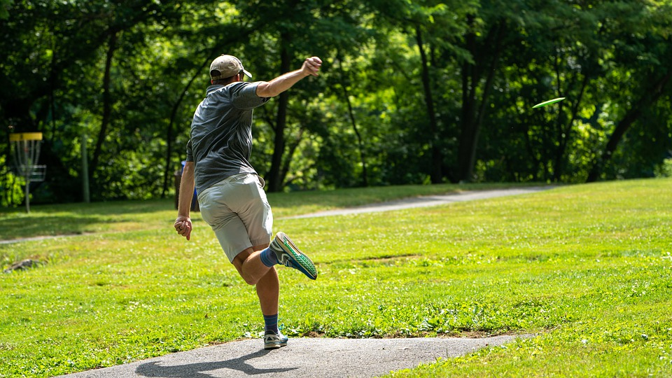 What Draws People To Disc Golf?