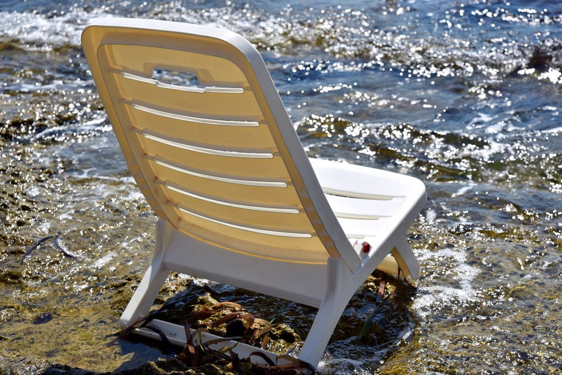 Benefits Of Acquiring Recycled Plastic Benches
