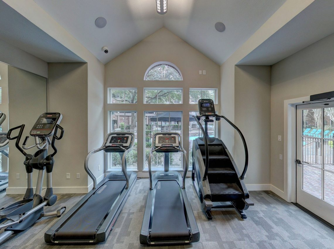 Why You Should Have Fitness Equipment At Home