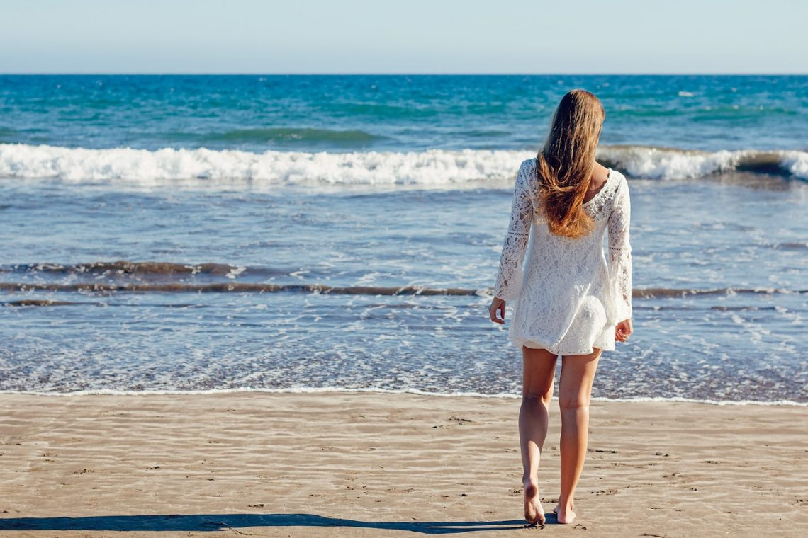 Benefits Of Buying Beach Clothes Online