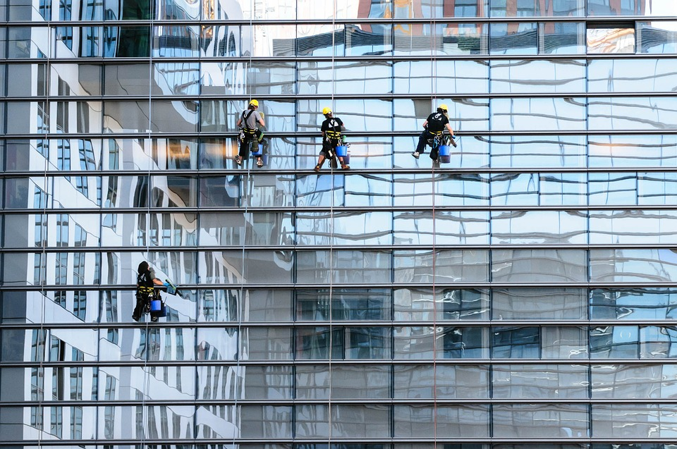 How To Choose The Right Window Cleaning Services