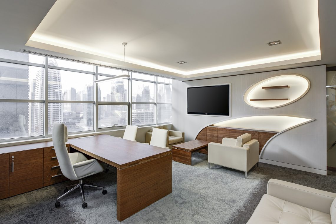 Trade-offs When Selecting Office Desk Furniture